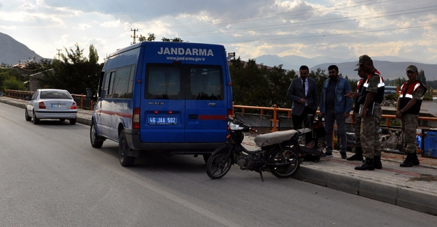 Ehliyetsiz motosiklet kullanan Suriyeli ceza yedi