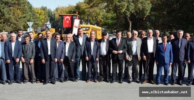 Muhtarlar Atatürk Anıtı'na Çelenk Bıraktı