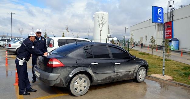 Engelli yerine park eden sürücülere 216 lira ceza