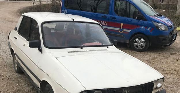 Jandarma çalınan otomobili buldu