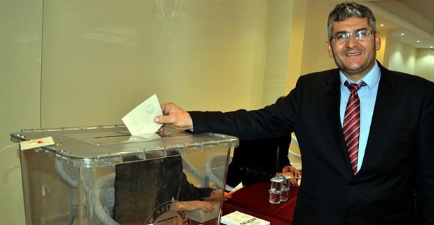 Marangozlar Odası Başkanı Mustafa Deli güven tazeledi