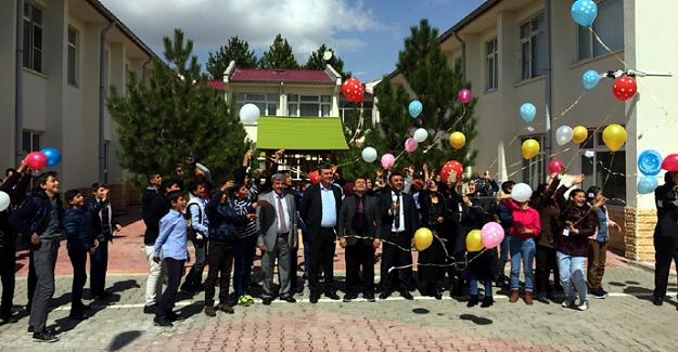 Öğrenciler liderlik seminerine katıldılar