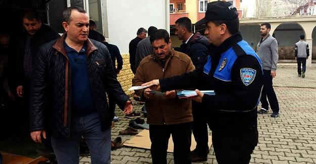 Polisten cami cemaatine hırsız ve dolandırıcılık uyarısı