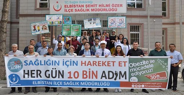 'Her gün 10 bin adım' sloganı ile aşı için okullara yürüdüler