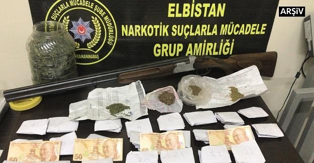 Elbistan'da uyuşturucu satıcılarına operasyon