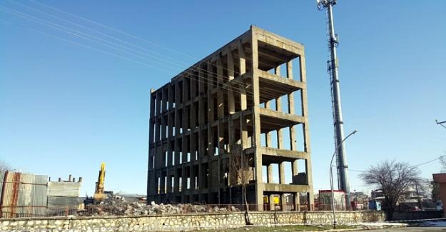 Elbistan'daki o meşhur bina yıkılıyor