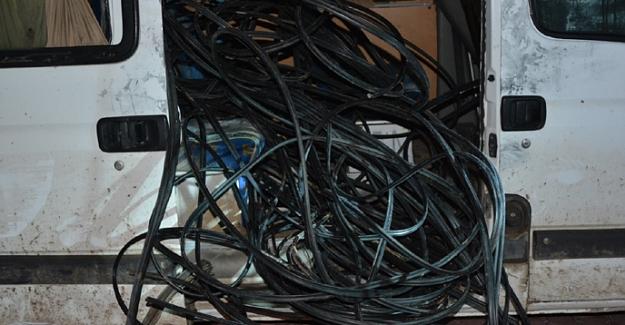 Elbistan'da kablo hırsızları yakalandı