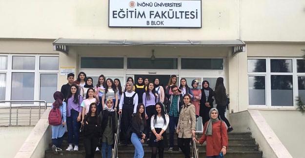 Öğrenciler İnönü Üniversitesi'ni gezdi