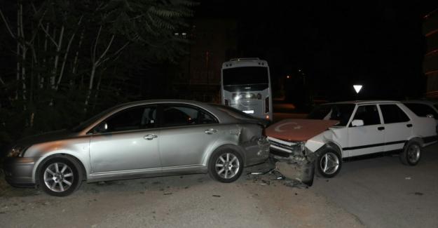 Dur ihtarına uymayan sürücü kaza yaptı