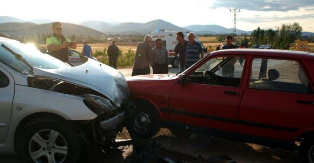 Zincirleme trafik kazasında 8 kişi yaralandı