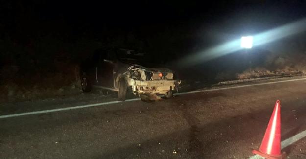 Kontrolden çıkan otomobil yamaca çarptı: 2 yaralı