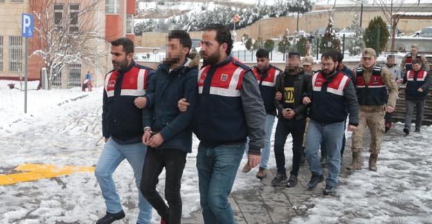 DEAŞ şüphelisi 4 kişi gözaltına alındı
