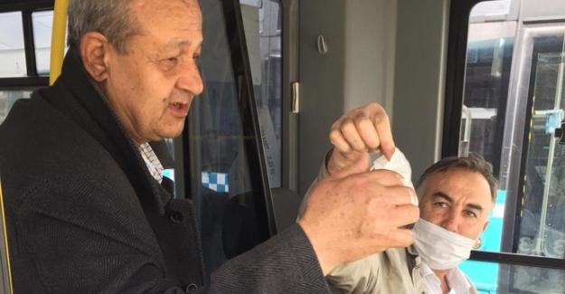 Elbistan'da yolculara ücretsiz maske dağıtıldı