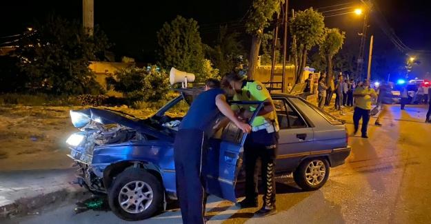 Elbistan'da otomobiller çarpıştı 4 yaralı