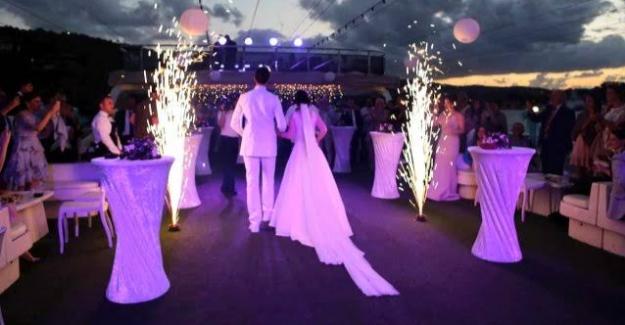 Elbistan'da düğünde koronavirüs bulaşan kişiler tedavi altına alındı