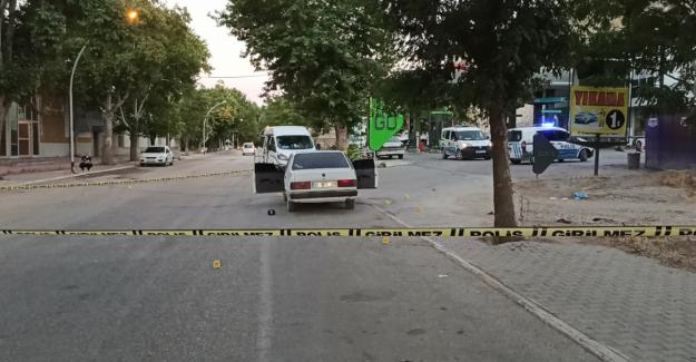 Elbistan'da otomobili kurşunlayan biri kadın iki kişi tutuklandı