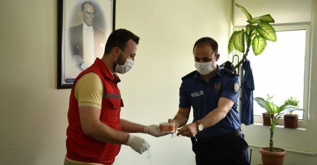 Belediyeden koronavirüs kahramanlarına aşure ikramı