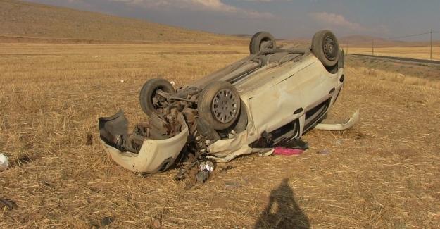 Elbistan'da otomobilin devrilmesi sonucu 3 kişi yaralandı