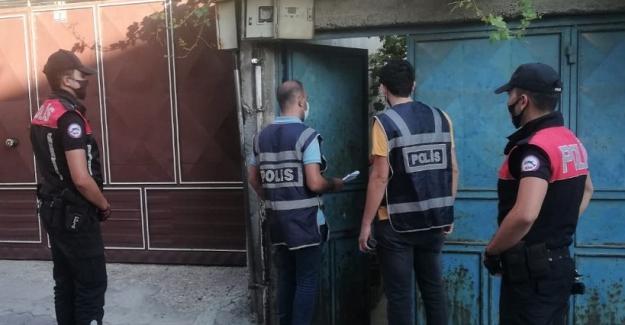 Polis aranması olan 68 kişiyi yakaladı