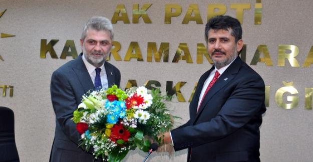 AK Parti'de devir teslim töreni