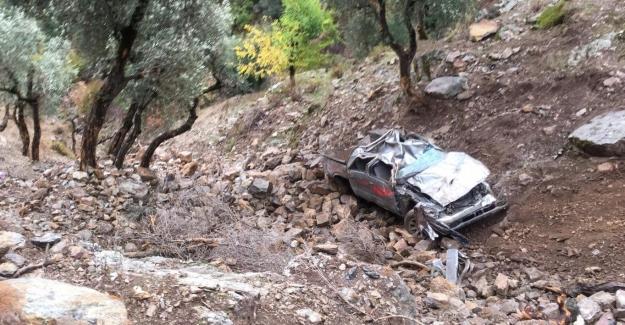 Uçuruma devrilen pikabın sürücüsü öldü