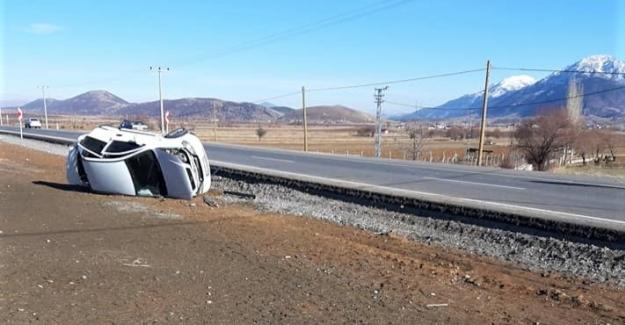 Otomobiller çarpıştı: 4 yaralı