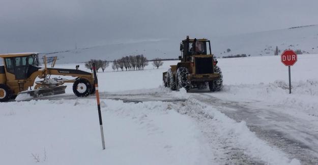 Elbistan, Ekinözü ve Nurhak ilçesinde karla mücadele çalışması