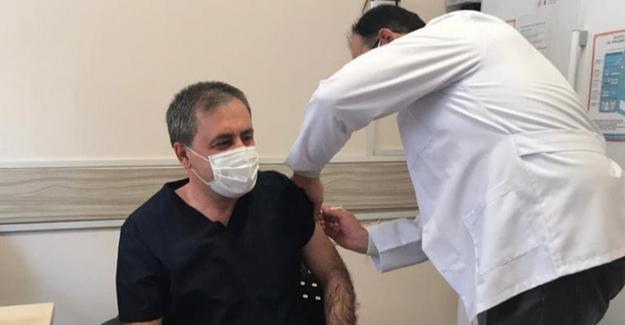 Elbistan Kaymakamı Özkan Demir koronavirüs aşısı oldu