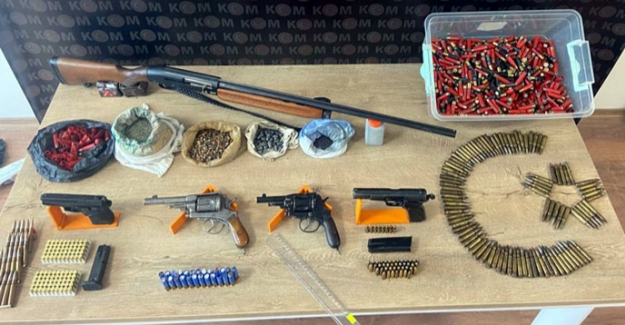 27 adet ruhsatsız silaha el konuldu