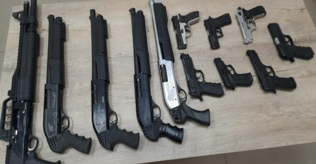 Polis denetimlerinde 62 adet silah ele geçirildi