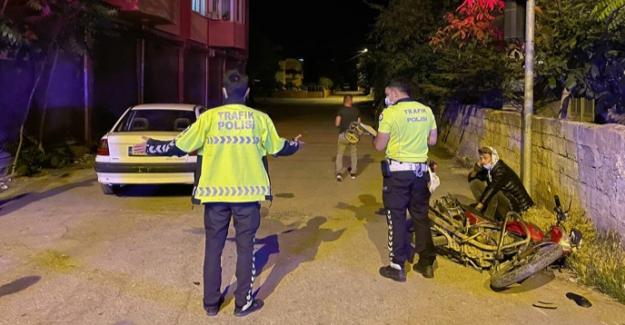 Elbistan'da otomobil ile motosiklet çarpıştı: 3 yaralı