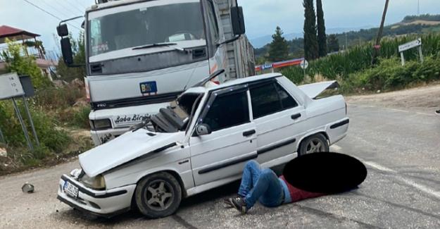 Otomobil ile kamyon çarpıştı: 1 ölü 1 yaralı