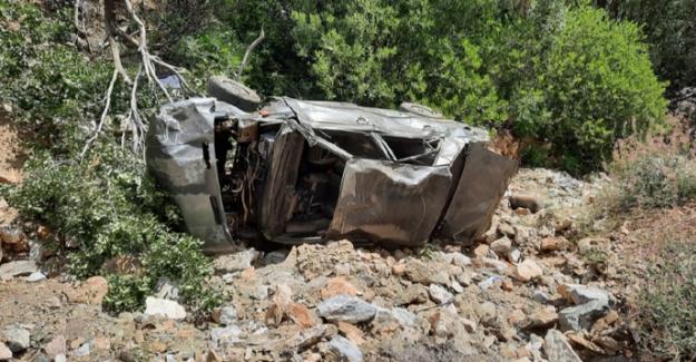 Ekinözü'nde otomobil uçuruma devrildi: 3 ölü, 1 yaralı