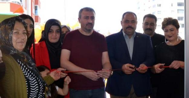 EsooM Güzellik Salonu Hizmete Açıldı
