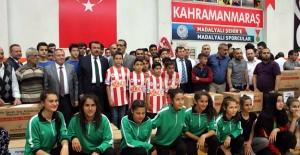 Büyükşehir'den amatör spor kulüplerine destek