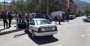 Elbistan'da otomobiller çarpıştı: 2 yaralı