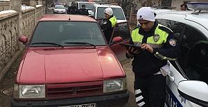 Drift atarak polisten kaçan sürücüye...