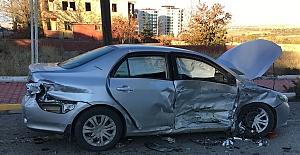 Elbistan'da trafik kazası: 2'si cocuk 4 yaralı