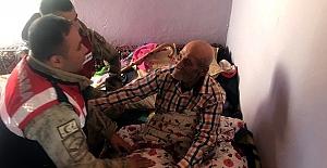 Çardak Jandarmadan Yaşlılara Ziyaret