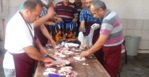 Elbistan Belediyesi, bayramda 500 aileye 'Can Kulağı' oldu