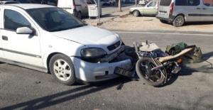 Otomobil ile motosiklet çarpıştı: 1...