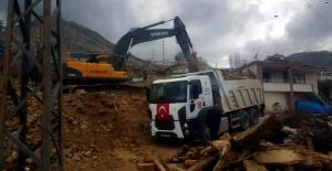 Elbistan'da 180 Metruk Bina Yıkıldı