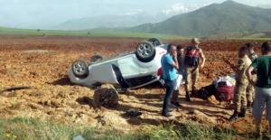 Kontrolden çıkan otomobil takla attı...