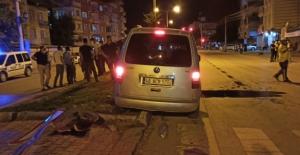 Elbistan'da hafif ticari aracın çarptığı yaşlı adam yaralandı