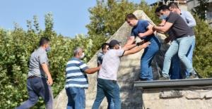Mescitte intihar girişimini polis önledi