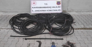 Kablo hırsızlıları trafik kazasında yakayı ele verdi