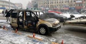 Elbistan#039;da park halindeki araç...