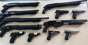 Polis aramasında bir ayda 97 silah ele...