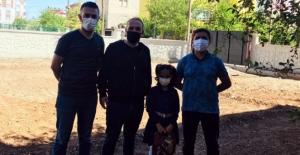 Elbistan'da öğretmenlerden öğrencilerine bayram sürprizi