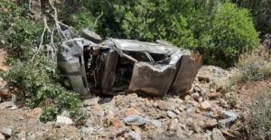 Ekinözü'nde otomobil uçuruma devrildi:...